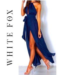 👗 WHITE FOX ISABELLA NAVY BLUE HALTER MAXI DRESS